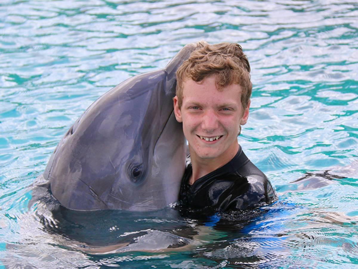 Lars en dolfijn
